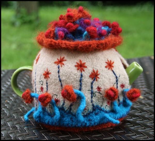 tea-cozy1-600x546